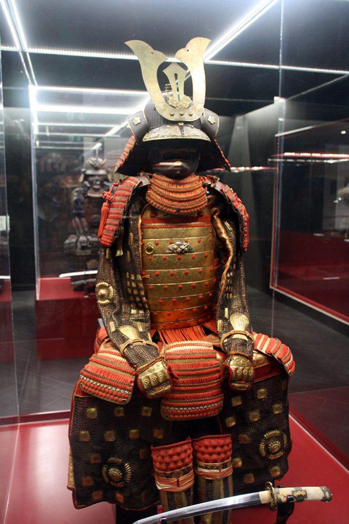 armatura samurai rossa